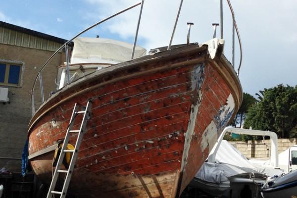 antique wooden boat renovation